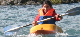 Un paseo en Kayak o cualquier medio acuatico es la mejor manera de conocer el lago para aprender a cuidarlo